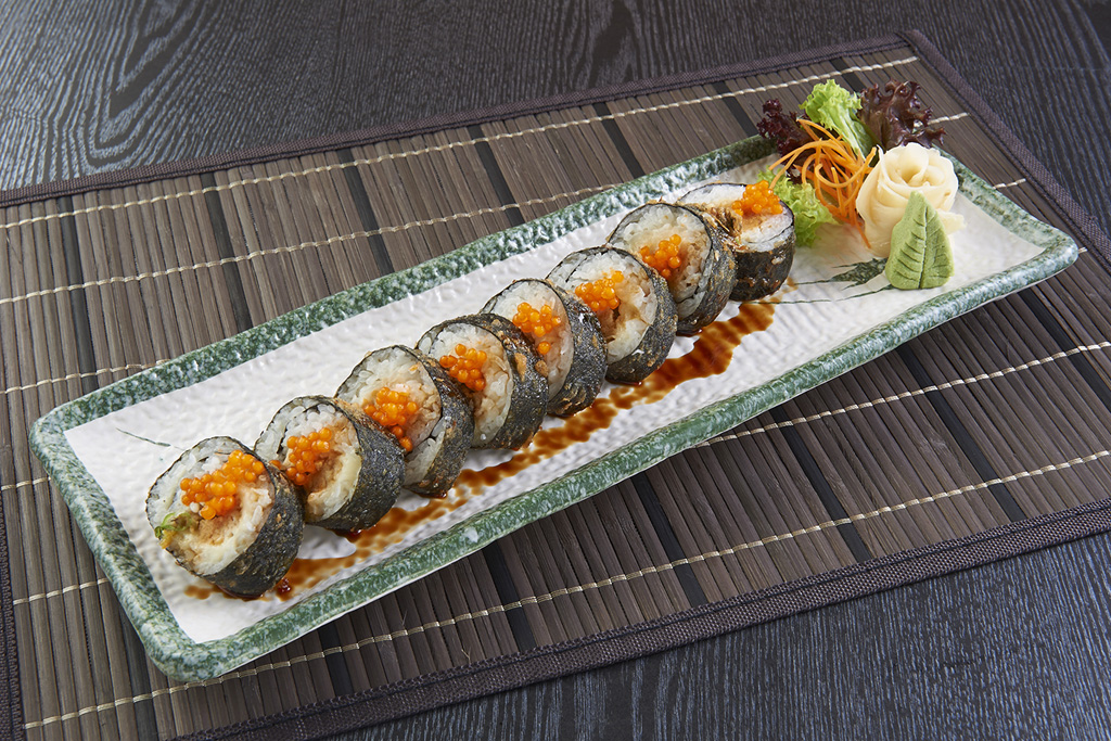 04_makimono_mr04-spicy-tempura-cheese-maki