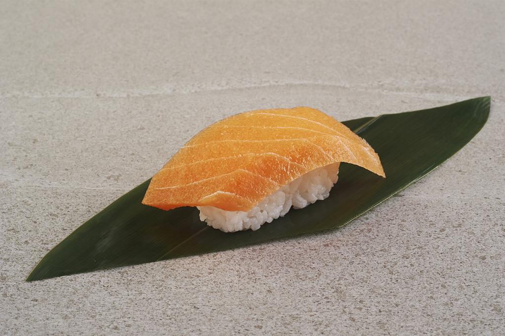06_sushi_s01-salmon
